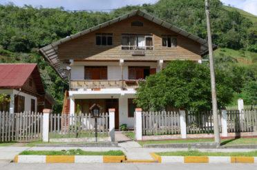 Hospedaje Haus Verónica – Pozuzo
